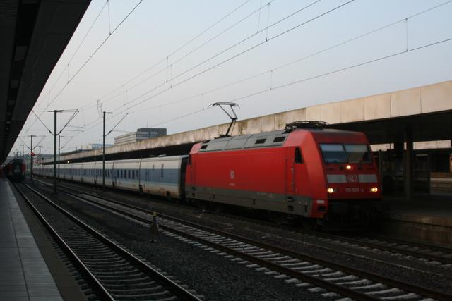 101 055-2 Hannover Hbf mit Talgo