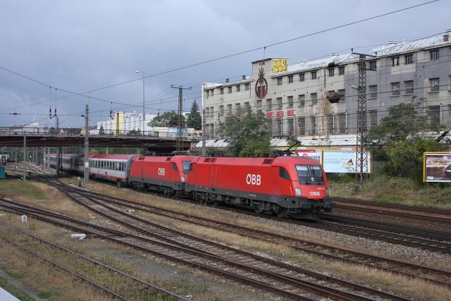 1016 044-8 + 1116 002-5 Wien Penzing