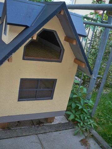 selbstgebautes katzenhaus katzenvilla outdoor katzen. Black Bedroom Furniture Sets. Home Design Ideas