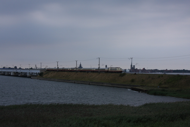 103 184-8 Rügendam bei Altefähr