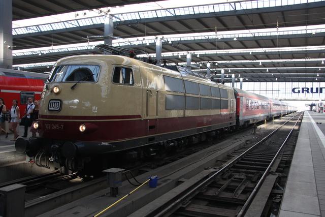 103 245-7 MNE München Hbf