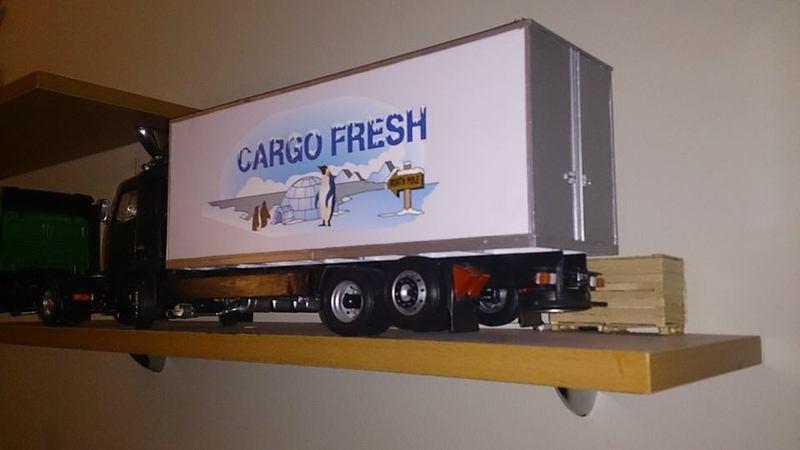 Mein erstes Modell: Italeri Volvo Reefer Truck 10384190_740855325982jzeui