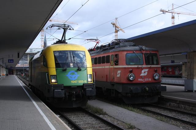 1047 503-6 + 1142 575-8 Wien Westbahnhof
