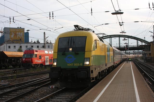 1047 503-6 Einfahrt Wien Westbahnhof