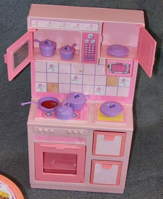 barbie k che k hlschrank herd esszimmer sweet roses wohnwelt 80er 90er jahre ebay. Black Bedroom Furniture Sets. Home Design Ideas