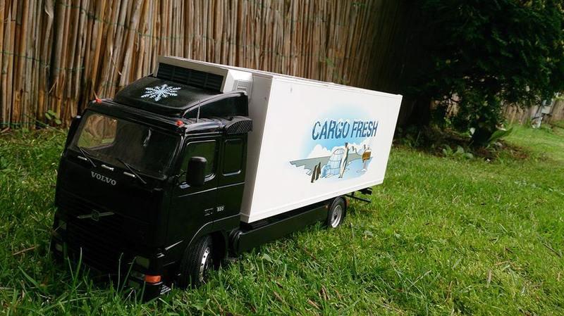 Mein erstes Modell: Italeri Volvo Reefer Truck 10574748_694881673913oufob