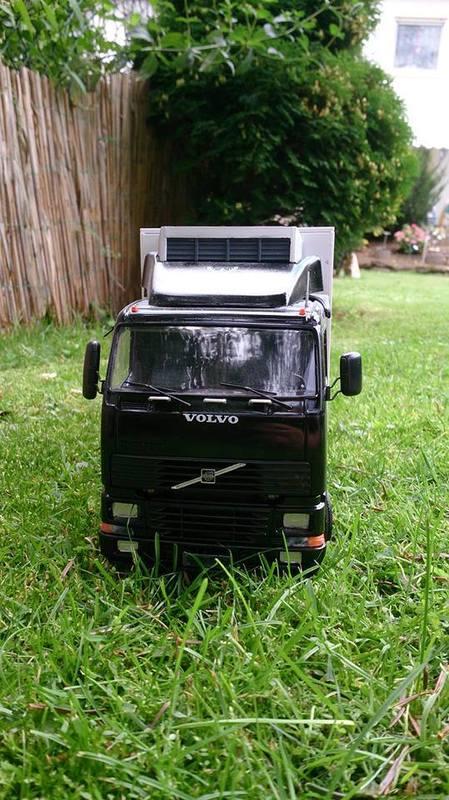 Mein erstes Modell: Italeri Volvo Reefer Truck 10634330_6949022705783reci