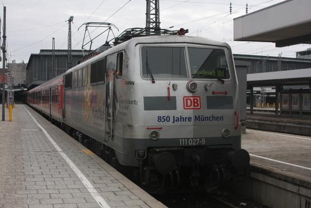 111 027-9 850 Jahre München München Hbf
