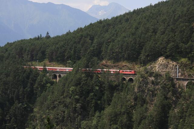 111 038-6 Kaiserstand-Viadukt
