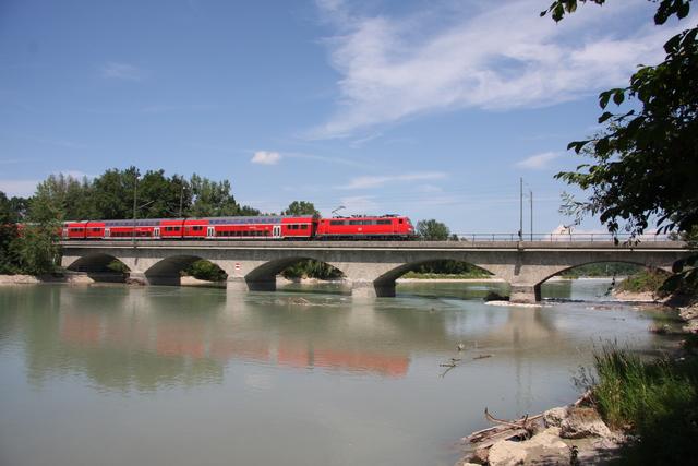 111 044-4 Salzburg Saalachbrücke
