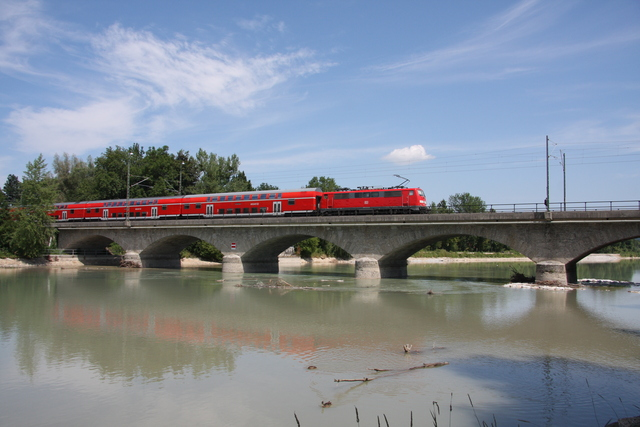 111 123-6 Salzburg Saalachbrücke