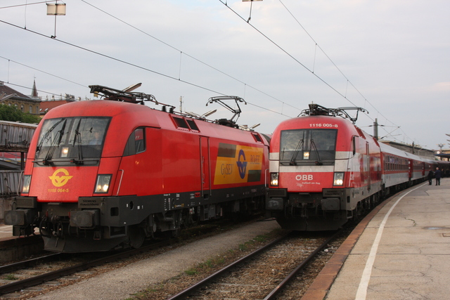 1116 064-5 + 1116 005-8 Österreich wien Westbahnhof