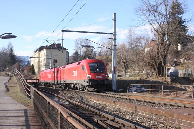 1116 067-8 + 1216 146-1 Villach Draubrücke