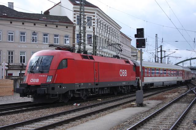 1116 083-5 Einfahrt Wien Westbahnhof