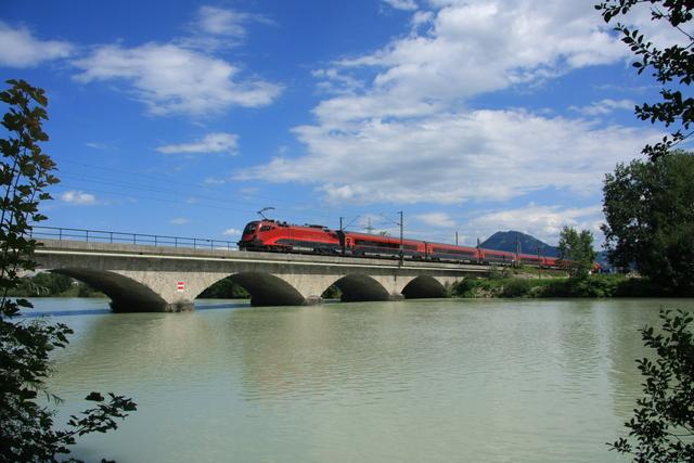 1116 210-4 Spirit of Budapest Freilassing Saalach-Brücke