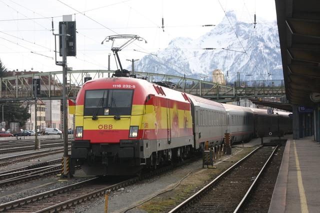 1116 232-8 Ausfahrt Salzuburg Hbf