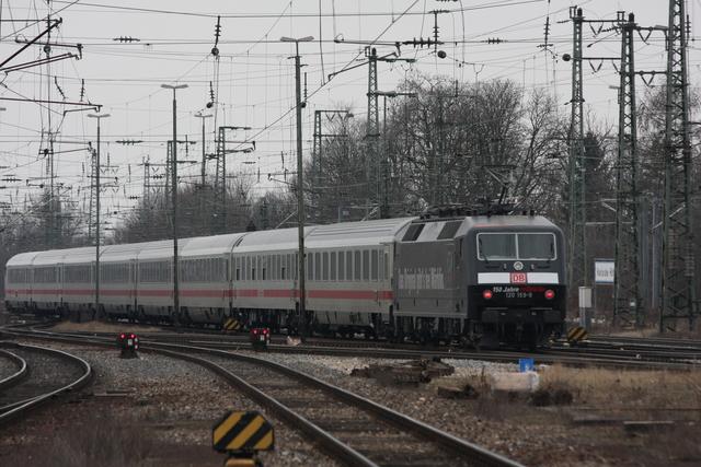 120 159-9 Märklin Ausfahrt Kalrsruhe Hbf (Abstellung)