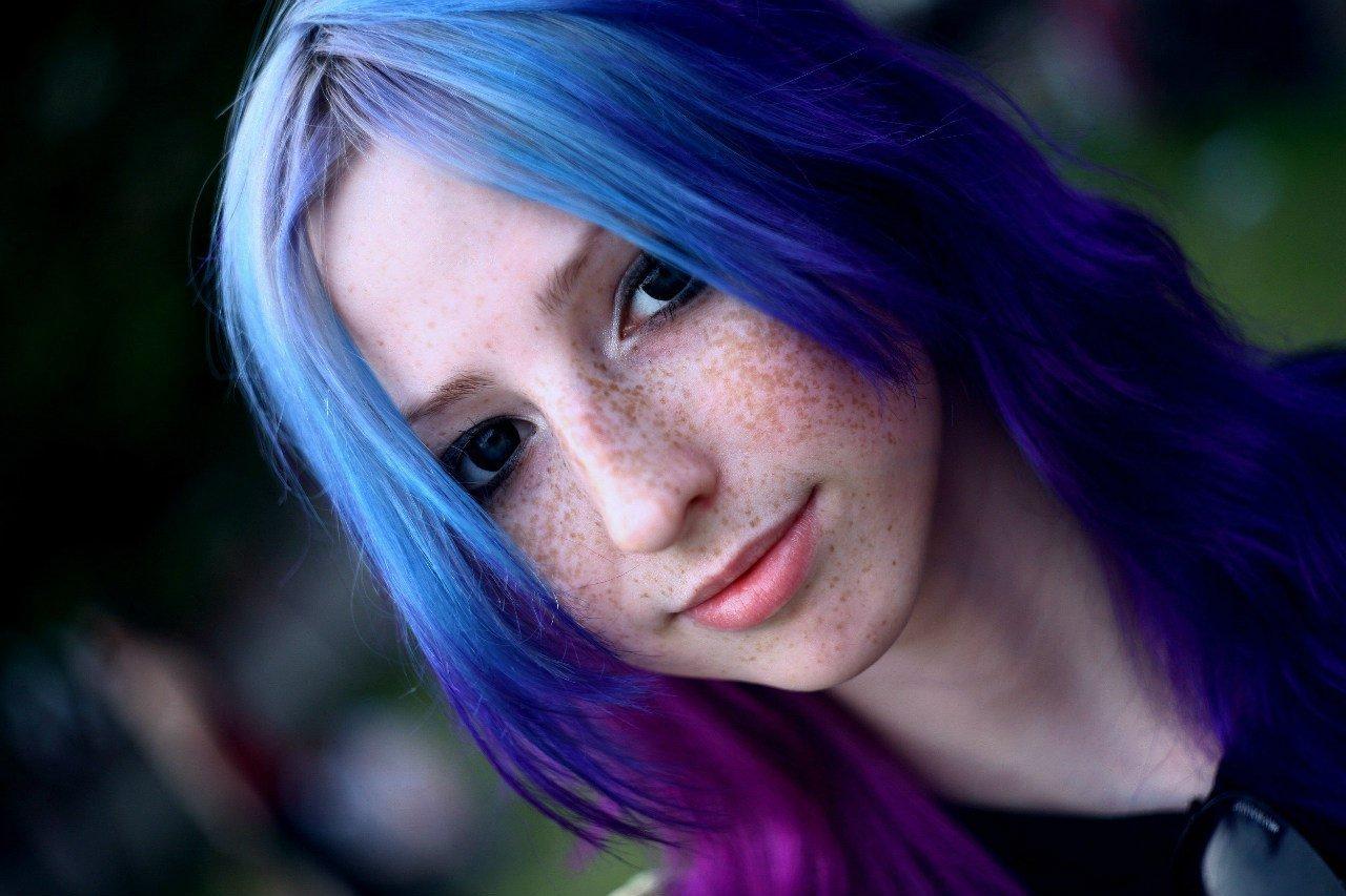 Люди с разноцветными волосами от рождения