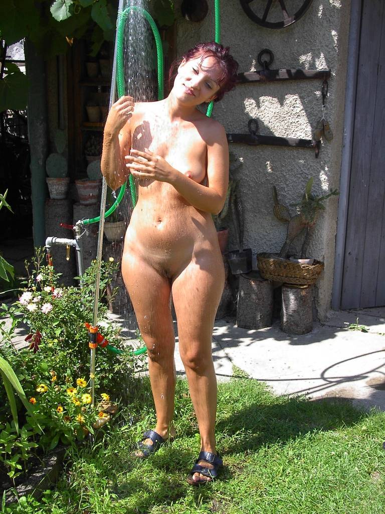 фото зрелых нудистов на даче
