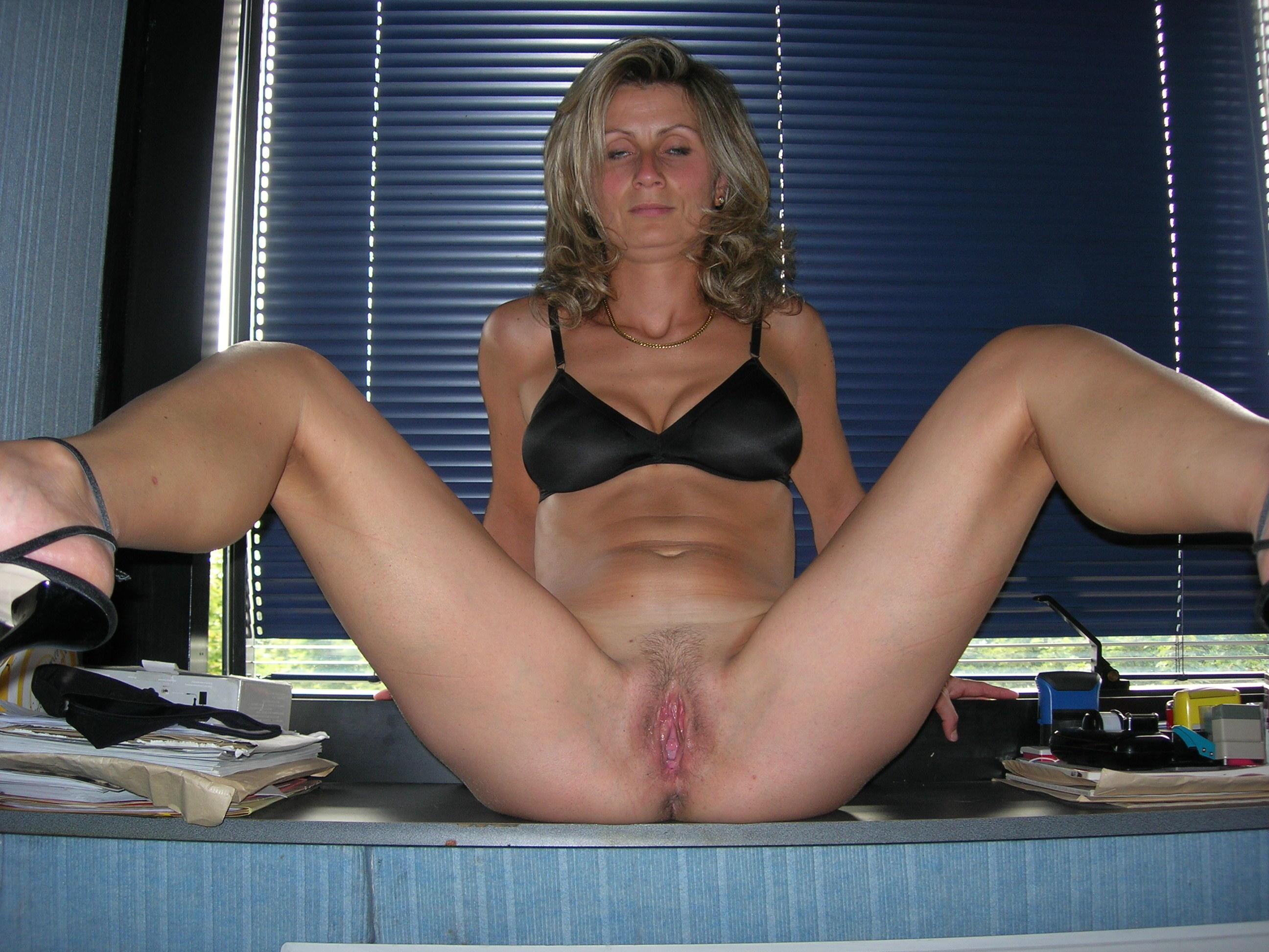 Секс со зрелой секретаршей русской 3 фотография
