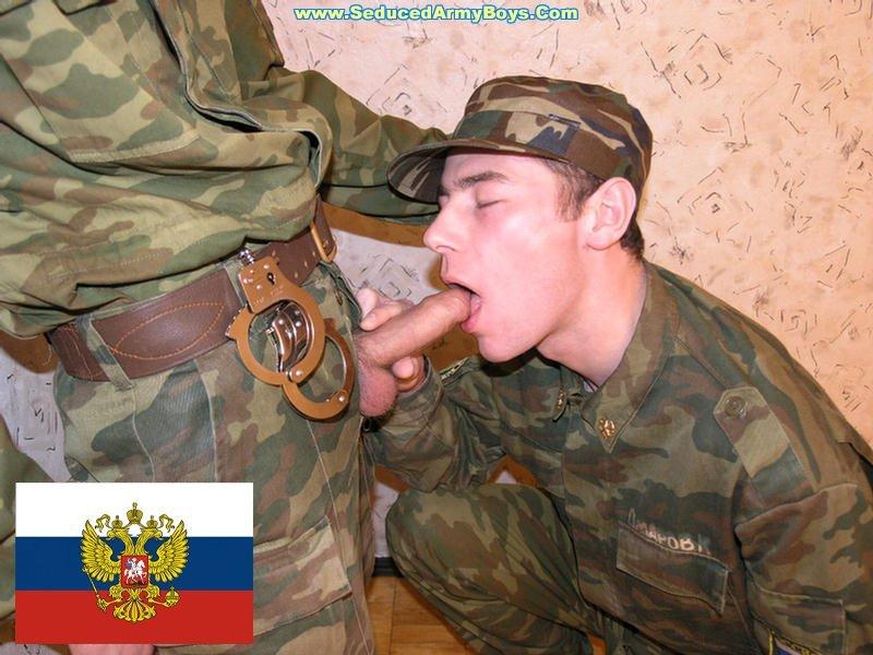 Порно старушку в армии