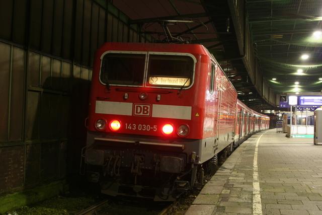 143 030-5 Duisburg Hbf