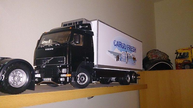 Mein erstes Modell: Italeri Volvo Reefer Truck 1517514_740855222649588eui