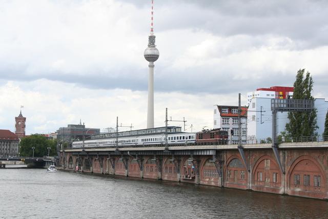 180 011-1 Berlin Michaelbrücke