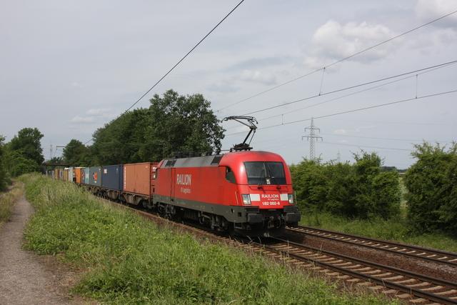 182 002-5 Railion DB Logsitics Ahlten