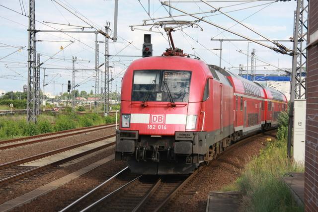 182 014 Ausfahrt Berlin Ostbahnhof