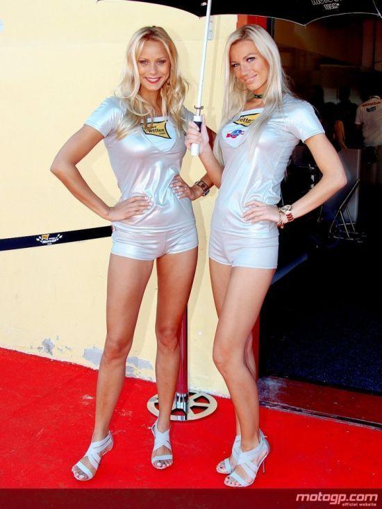 Dziewczyny z MotoGP 2010 33