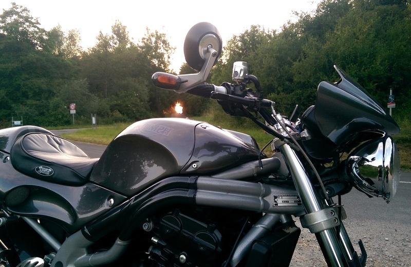 Auf der suche nach blinkern caferacer for Spiegel unten motorrad