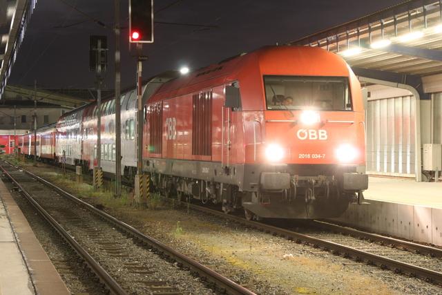 2016 034-7 Wien Südbahnhof