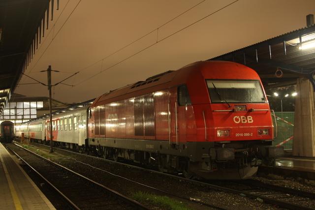 2016 098-2 Wien Südbahnhof