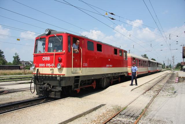 2095 015-0 Ausfahrt Ober Grafendorf