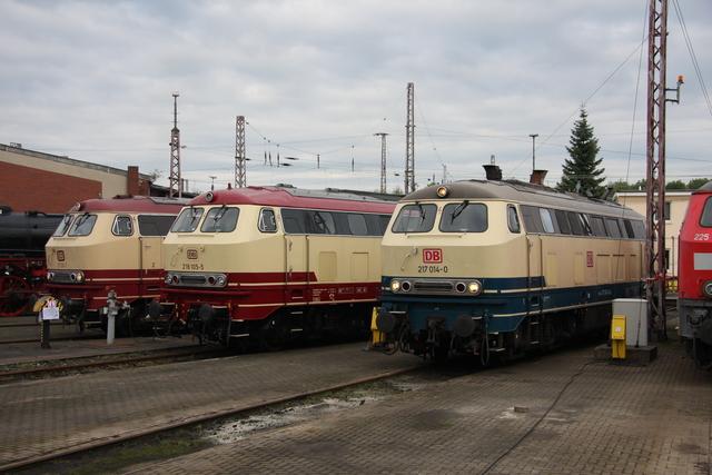 217 001-7 + 218 105-5 + 217 014-0 BW Osnabrück