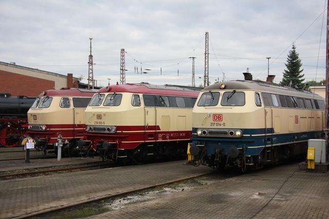 217 014-0 + 218 105-5 + 217 001-7 BW Osnabrück