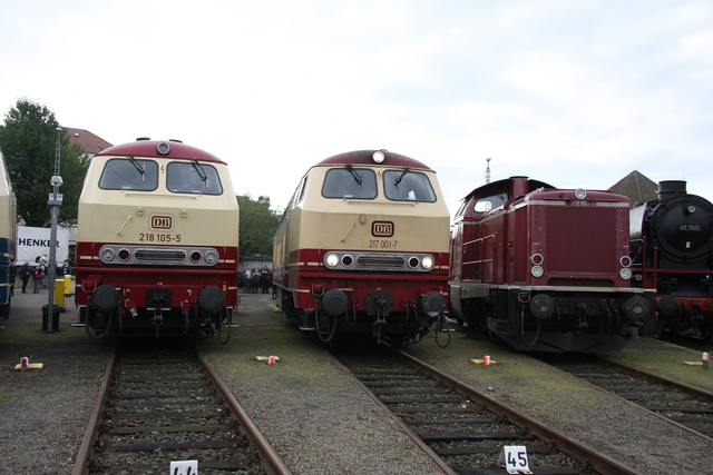 218 105-5 + 217 001-1 + 212 093-9 BW Osnabrück
