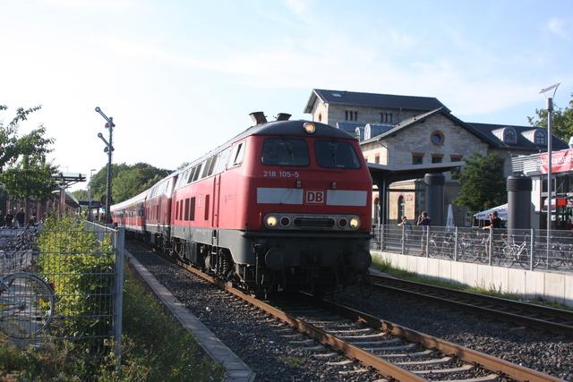 218 105-5 + 218 387-9 Ausfahrt Wolfenbüttel