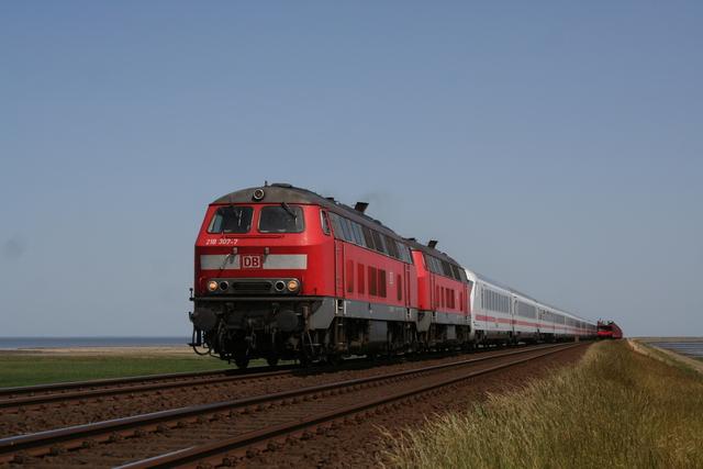 218 307-7 + 218 329-1 Hindenburgdamm