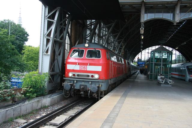 218 322-6+ 218 38-2 Hamburg Dammtor