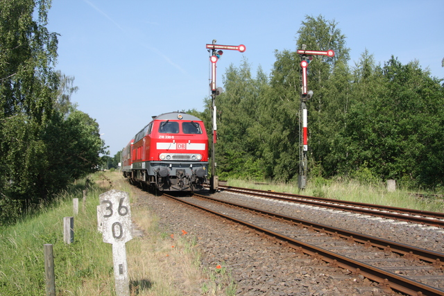 218 330-9 Einfahrt Dannenberg Ost