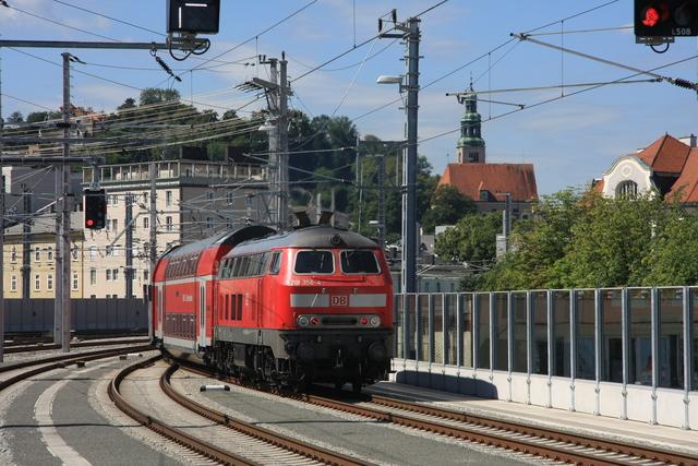 218 356-4 Ausfahrt Sazburg Hbf