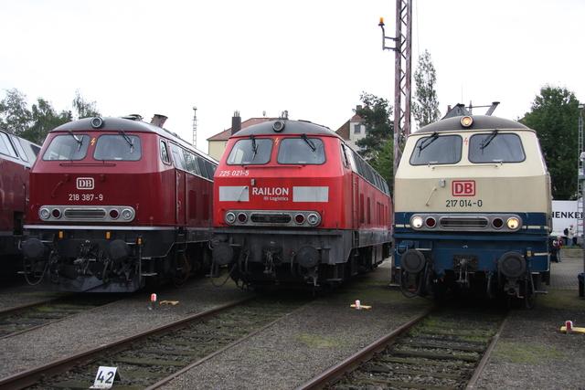 218 387-9 + 225 021-5 + 217 014-0 BW Osnabrück