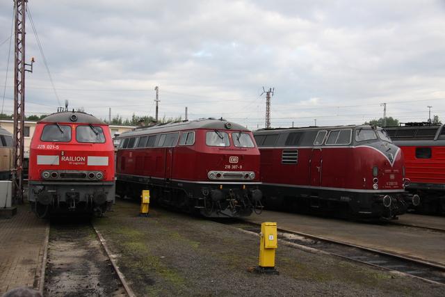 225 021-5 + 218 287-9 + V200 116 BW Osnabrück