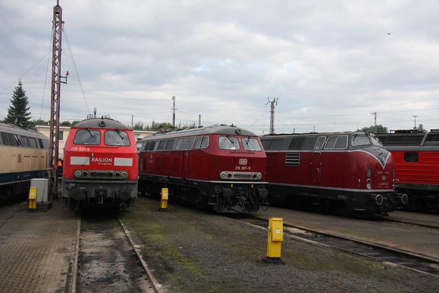 225 021-5 + 218 387-9 + V200 116 BW Osnabrück