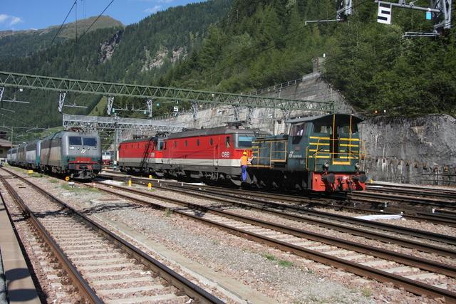 245.6047 +91 81 1144 244-1 + 91 81 1144 037-9 Brennero-Brenner
