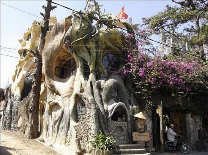 Dalat Crazy House 33