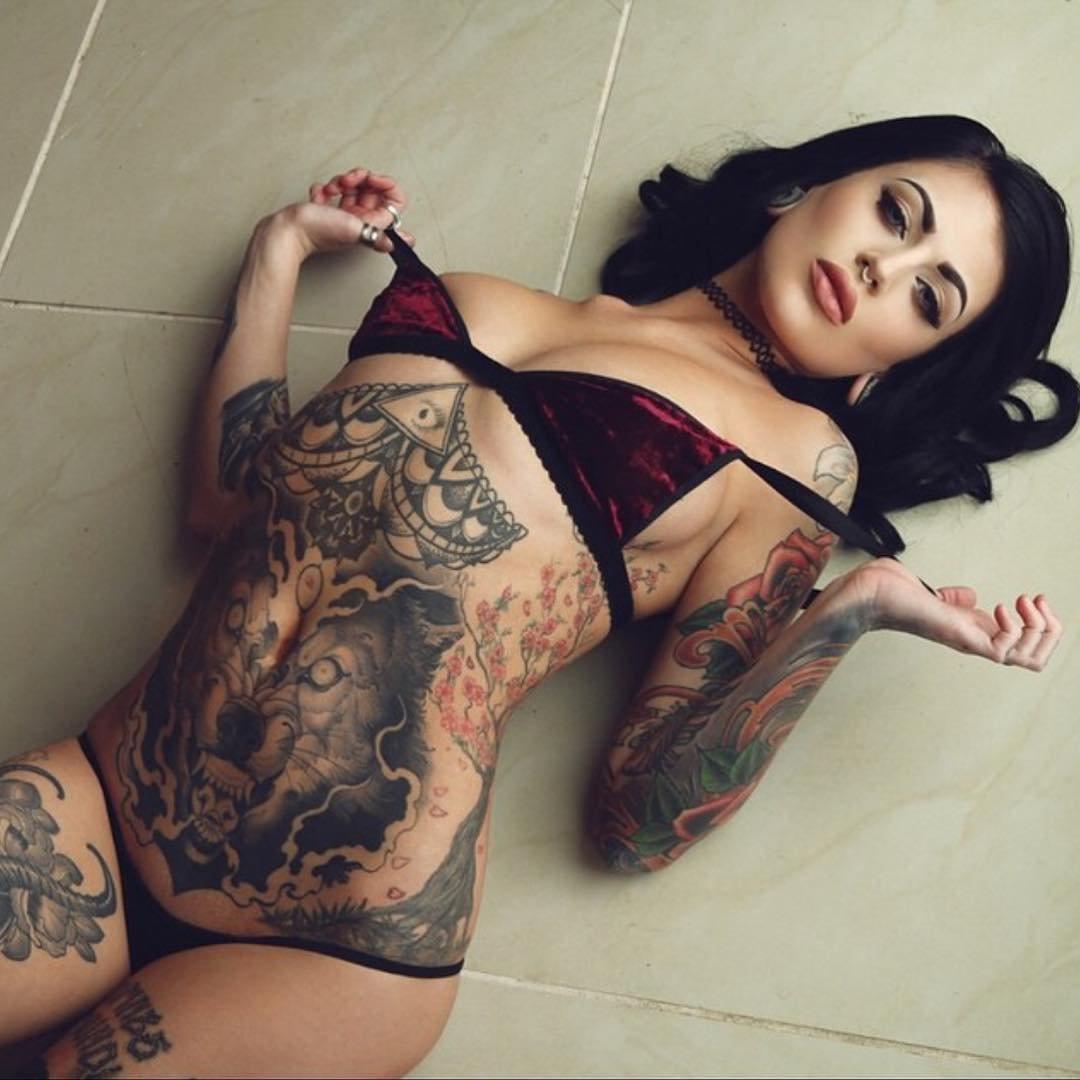 Dziewczyny z tatuażami #7 33