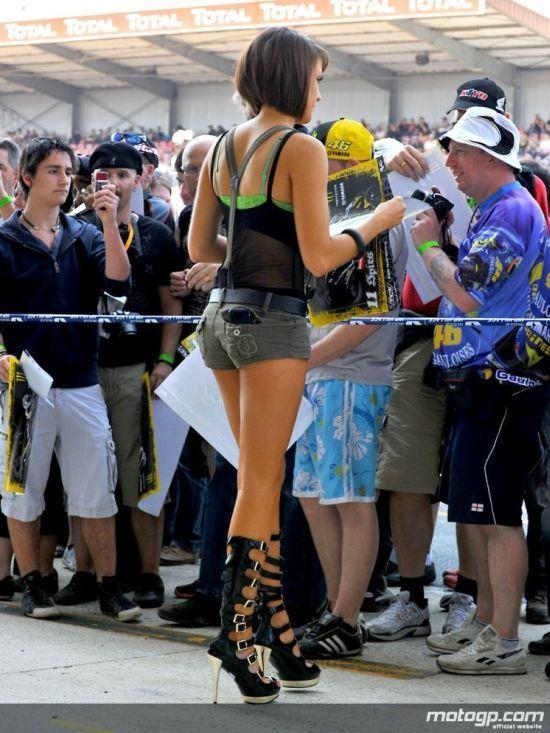 Dziewczyny z MotoGP 2010 39